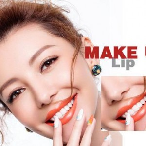 Red lip tooth white Ying Run Jiaoyan