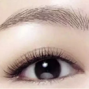 do cosmetic contact lenses, makeup is so beautiful!